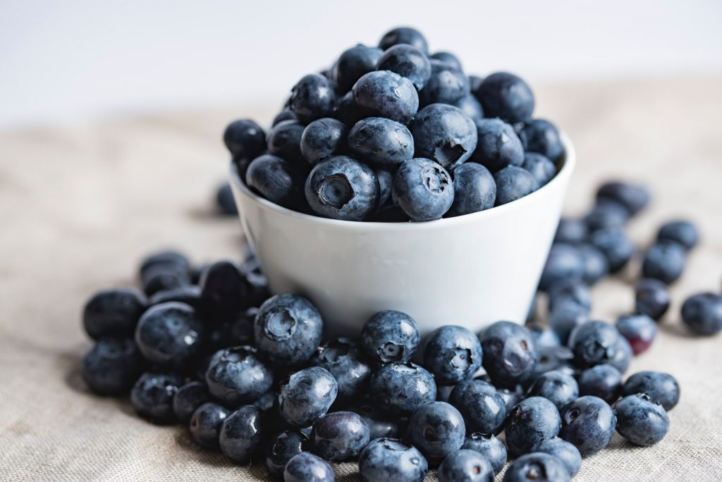 bowl of blueberries for pain management