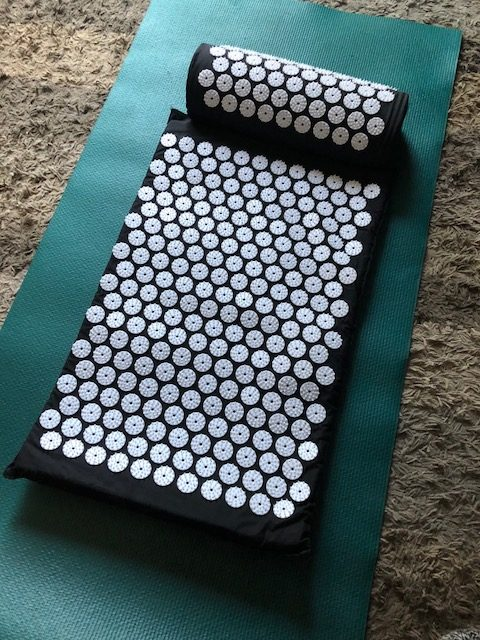 Prosource acupressure mat and pillow, managing chronic pain